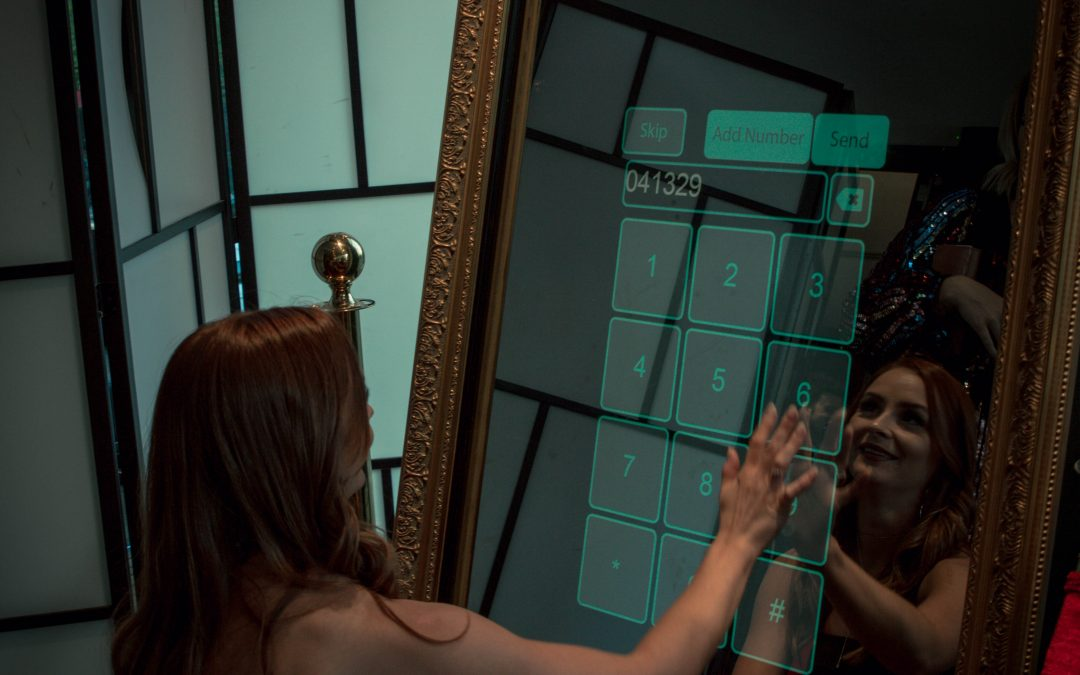 Magic Mirror Photo Booth Melbourne – Why You Need The MMS Feature