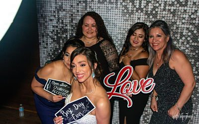 Mirror Photo Booth Melbourne Poses – Best Of The Best